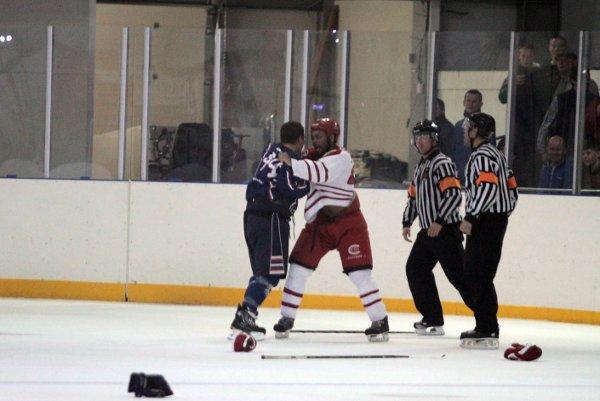 Get your gloves off: Norm Pinnington gets up close and personal with Invicta Dynamos	SP63583