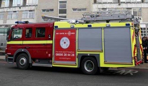 Roof catches fire in Purley