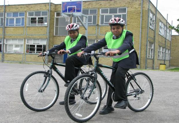 Youngsters cycle to school in new scheme
