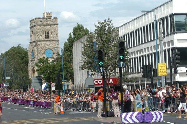 Cycling road race brings crowds out to Putney