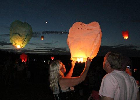 Lantern's release in memory of Tia