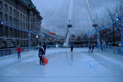 Skates on: Twickenham ice rink wins approval