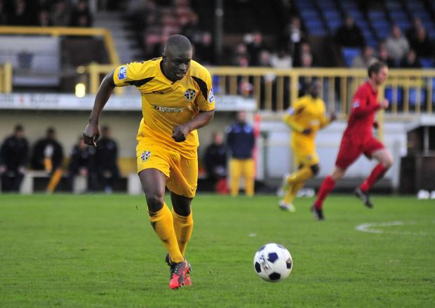 Croydon Guardian: Michael Boateng playing for Sutton United