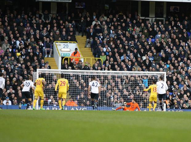 Croydon Guardian: Puncheon misses the penalty against Spurs