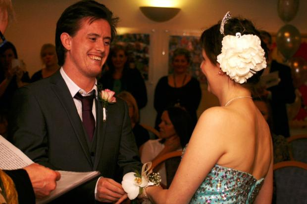 Croydon Guardian: Amy Gowlett and Liam Ralph's wedding was arranged and happened within 24 hours