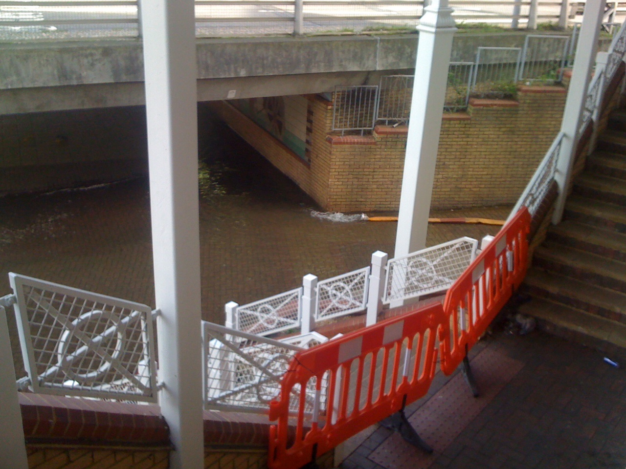 Fight goes on to prevent Kenley and Purley homes from flooding