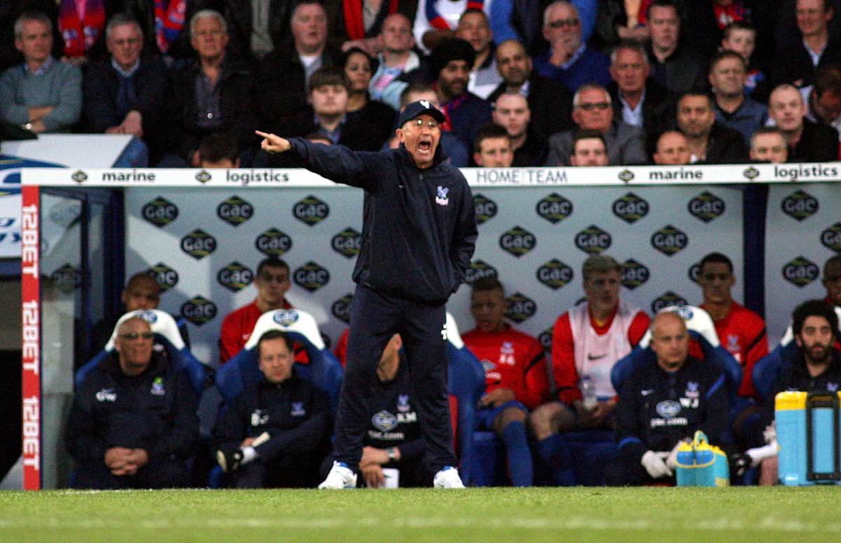 Croydon Guardian: Tony Pulis issues instructions