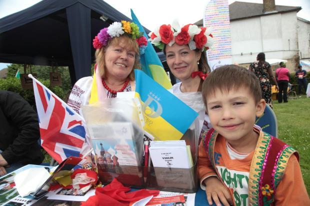 Croydon Guardian: Five-year-old Sergia Slugovina, his mum Eugenia and Melina Molbaktchi from Russian Speakers Community Centre
