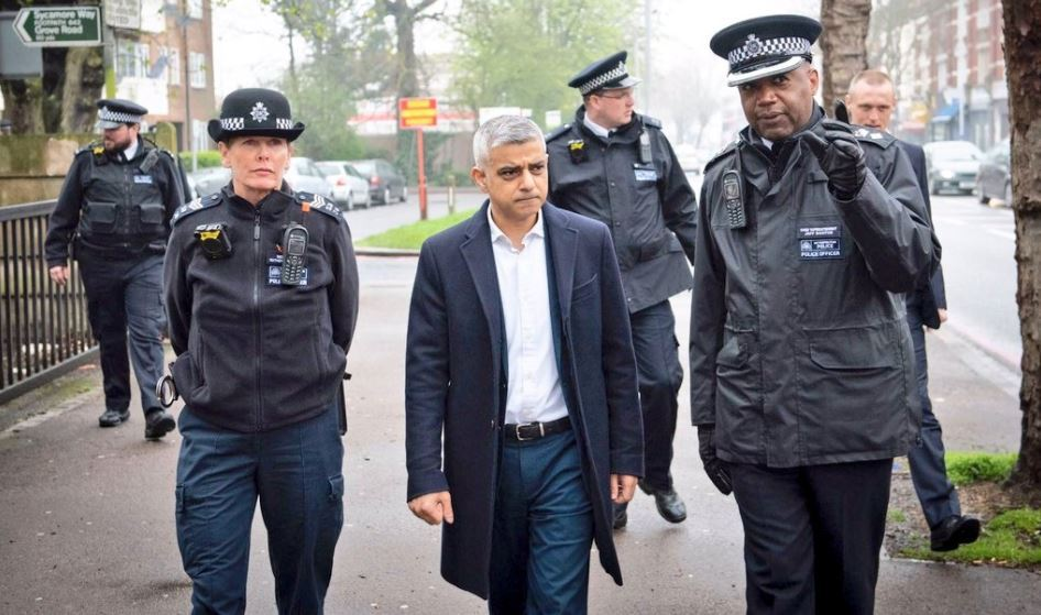 Sadiq Khan out with police in Croydon