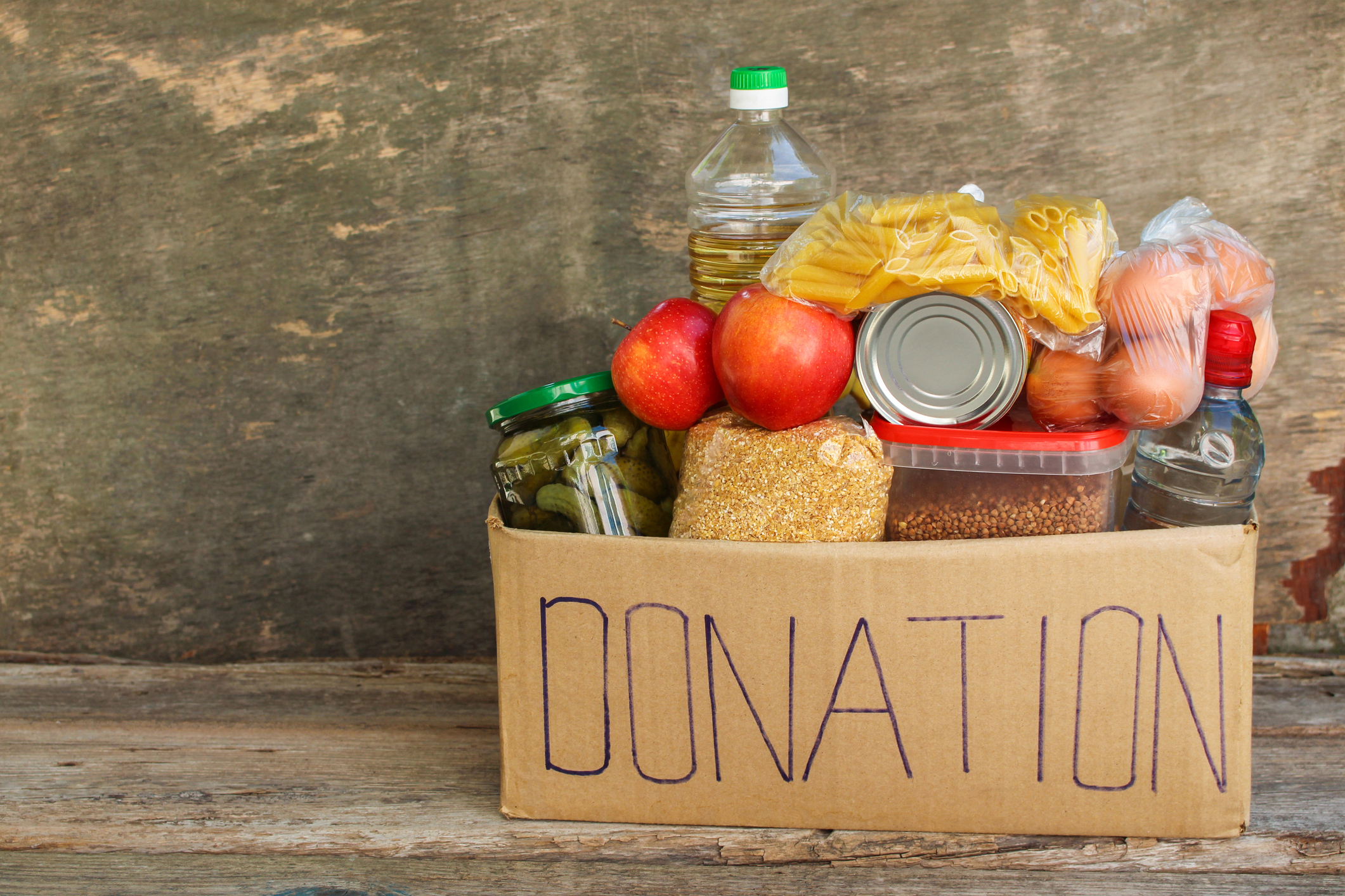 Volunteers are needed to help FareShare distribute surplus food to people. Photo: Mukhina1/Getty